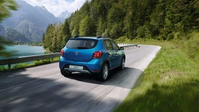 dacia-sandero-b52-cross-stepway-overview-003.jpg.ximg.l_4_m.smart.jpg