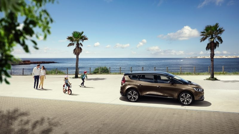 renault-grand-scenic-rfa-ph1-design-exterior-gallery-004.jpg.ximg.l_8_m.smart.jpg